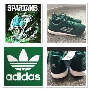 """""""ADIDAS BOOST SNEAKERS 😍"""